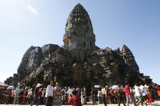 Cambodia's Angkor website was closed for 2 weeks to contain the coronavirus