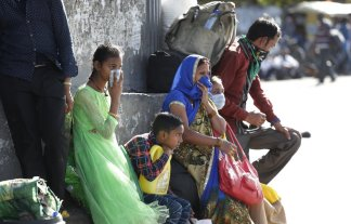 Indian authorities provide transportation for migrant workers to get home