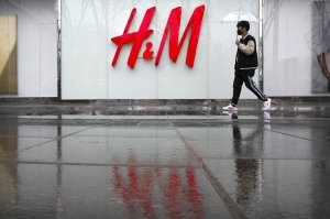 China deleting H&M from the Internet amid the Xinjiang reaction