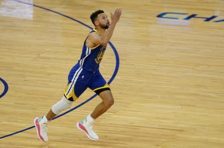 Stephen Curry Passes Wilt Chamberlain as Golden State Warriors' All-time Scoring Leader