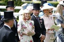 Queen's grandson Peter Phillips and wife Autumn to divorce
