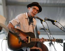 Justin Townes Earle, Singer-Songwriter and Son of Steve Earle, Dies at 38