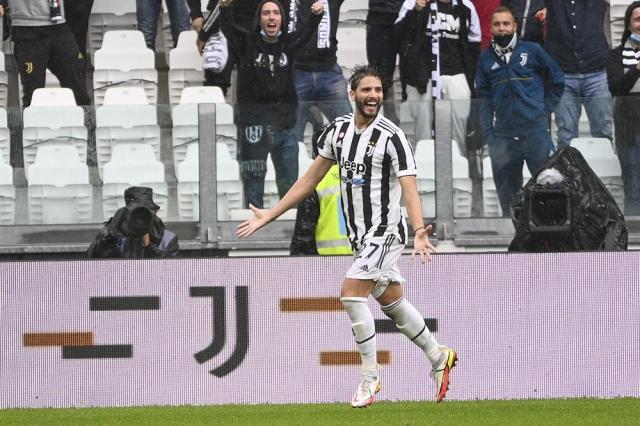 Juventus' Manuel Locatelli celebrates after scoring during the Italian Serie A soccer match between Juventus and Sampdoria, in Turin, Italy, Sunday, Sept. 26, 2021. (Marco Alpozzi/LaPresse via AP)