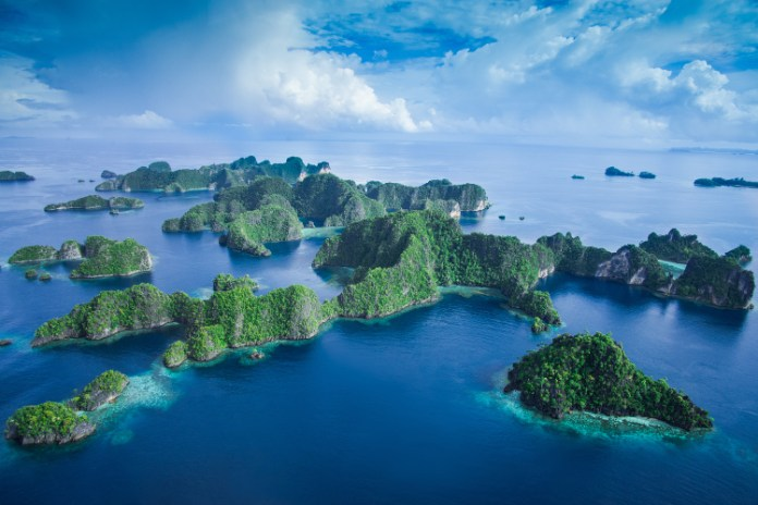 40 Best Things To Do In Papua Indonesia Top Heavenly Spots Allindonesiatourism Com
