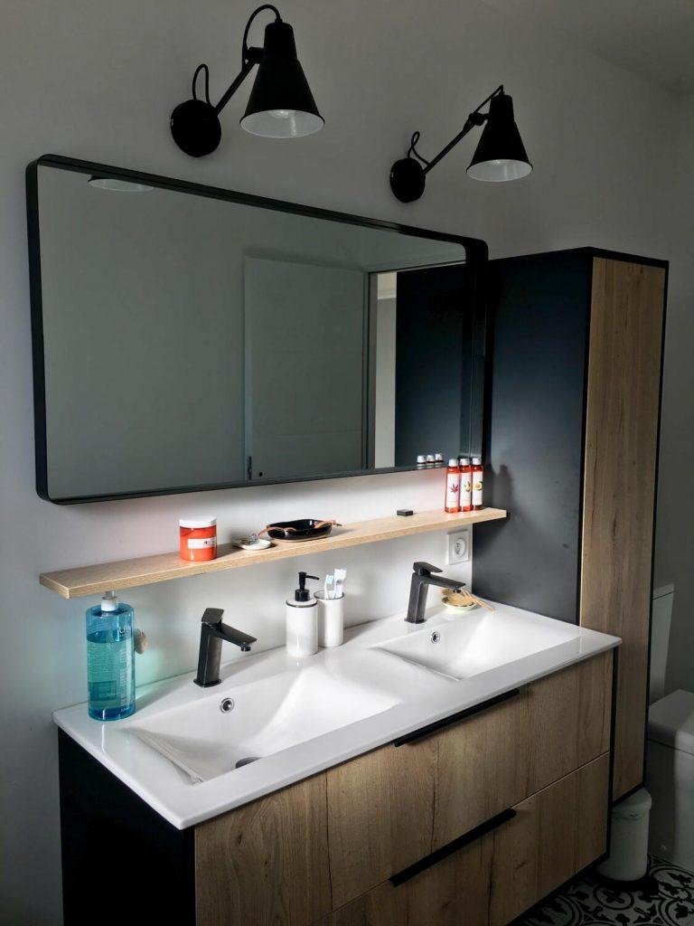 salle de bain noire et blanche 15