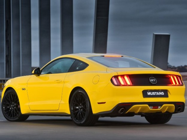FORD MUSTANG 5.0 GT COUPE Manual