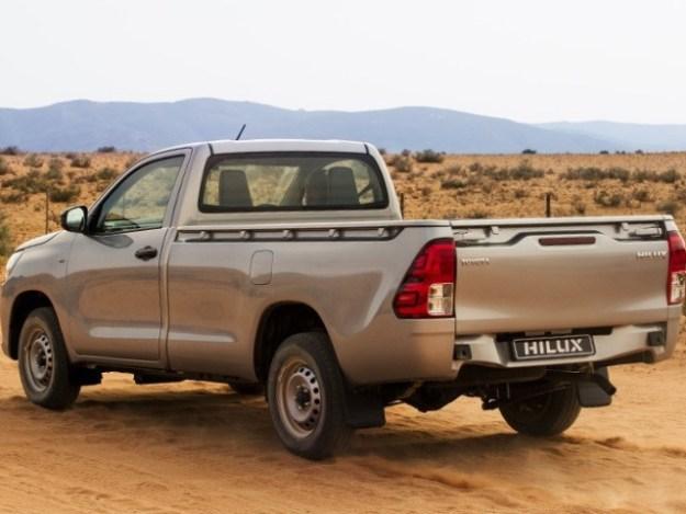 Toyota Hilux 2.7 VVTi RB SRX MT