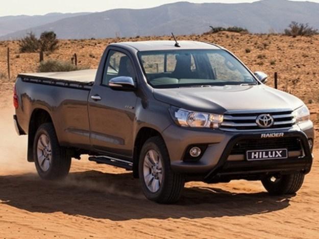 Toyota Hilux 2.4 GD 5MT