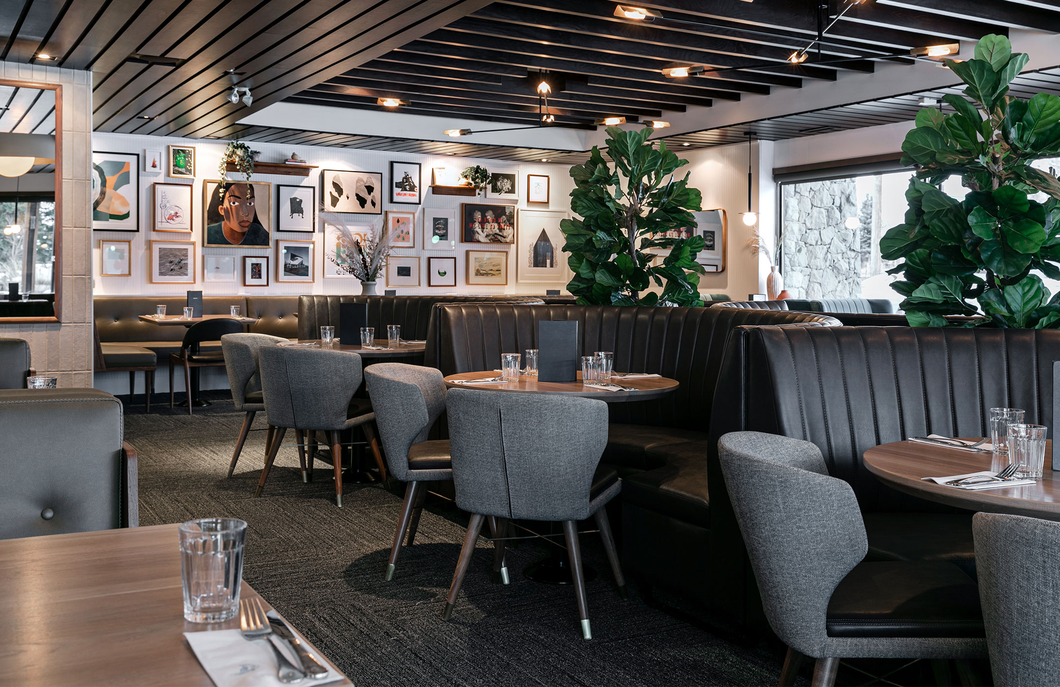 Earls is an upscale casual dining restaurant and bar. Earls Prudential Earls Boston Ma Restaurants