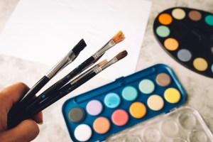 絵を描く仕事9選|仕事の種類や進路のパターン・働き方を紹介