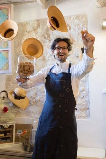 grembiule Spezieria Toscana e biscotti Federico Minghi