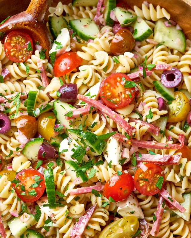 How To Make the Easiest Pasta Salad