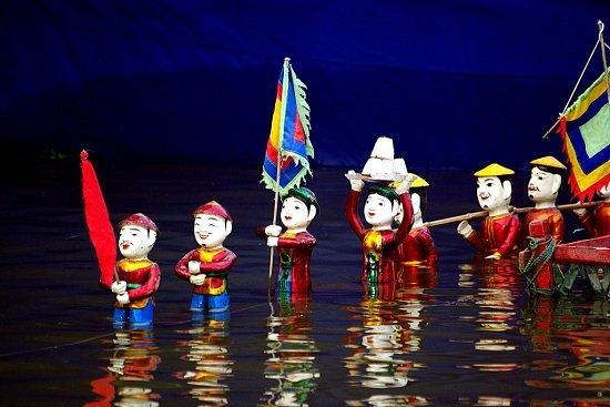 물속에서 하는 꼭두각시쇼 water puppet show Saigon