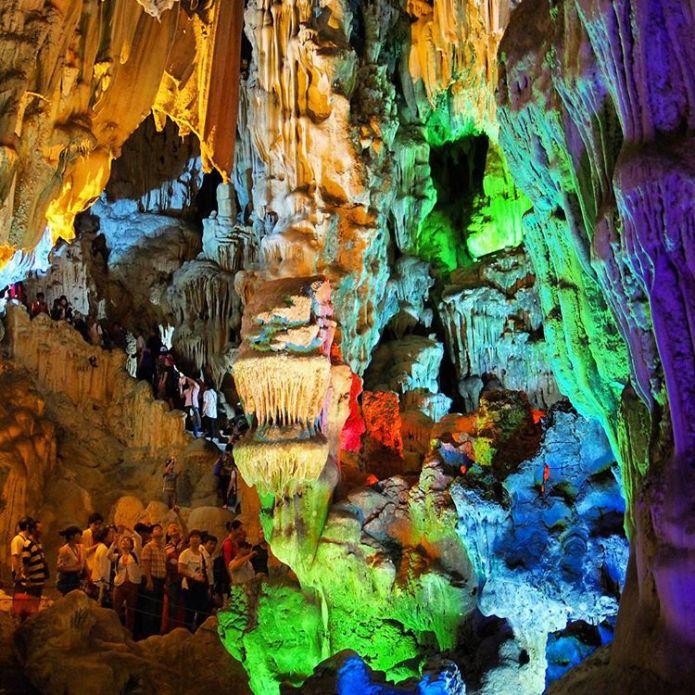 Instagram @davquinney thien cung cave