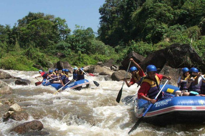 Trải nghiệm khi du lịch Krabi - Chèo bè trên Song Phraek River