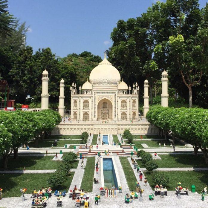 đền Taj Mahal tý hon