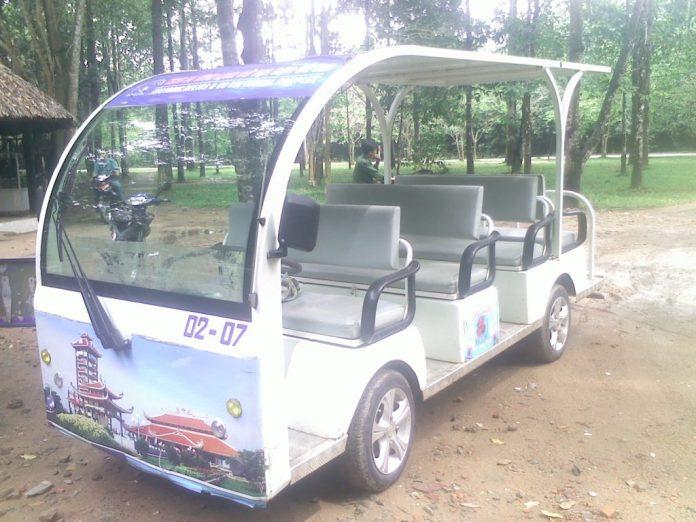 Xe điện địa đạo Củ Chi