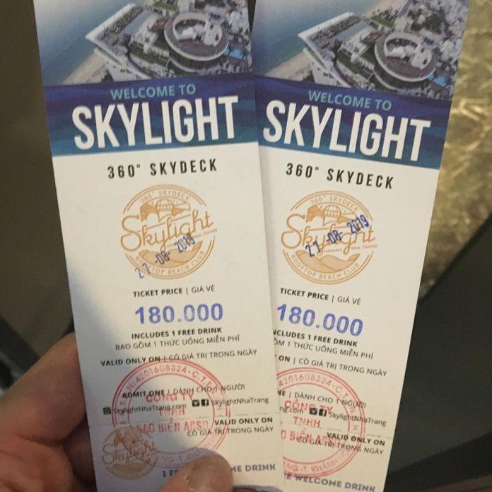 Vé vào Skylight Club