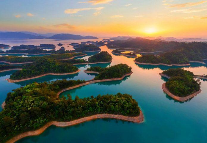 Du lịch Trung Quốc-Hồ Thiên Đảo