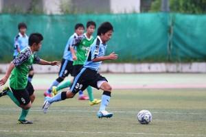 DFと連係してセカンドボールを拾った村田選手。攻撃に顔を出す場面も目立った