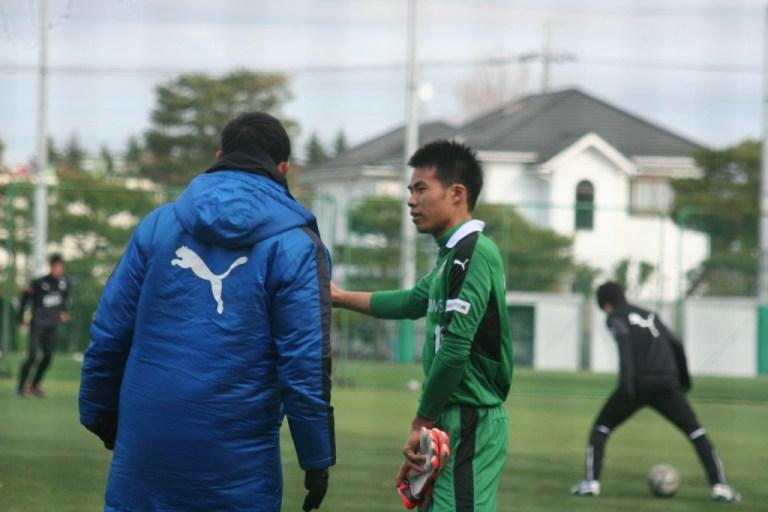 新居俊介選手