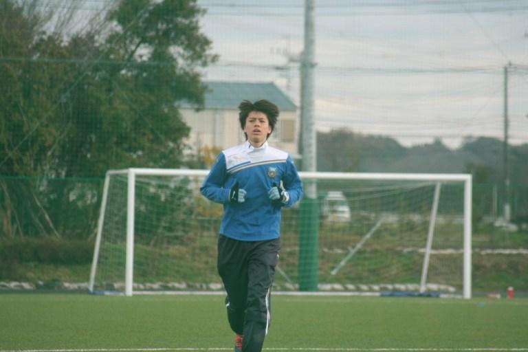 怪我からの復帰を目指しトレーニングに励む田中碧選手