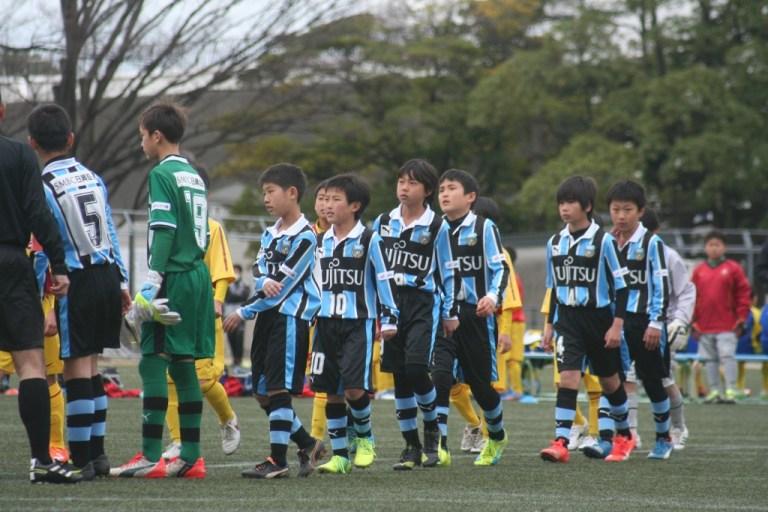 ブレイズ熊本ジュニア戦に臨むフロンターレの選手たち