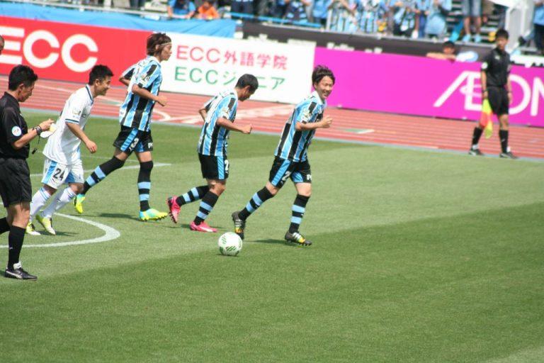 こぼれ球に詰めて同点ゴールを決めたのは鈴木達矢さん