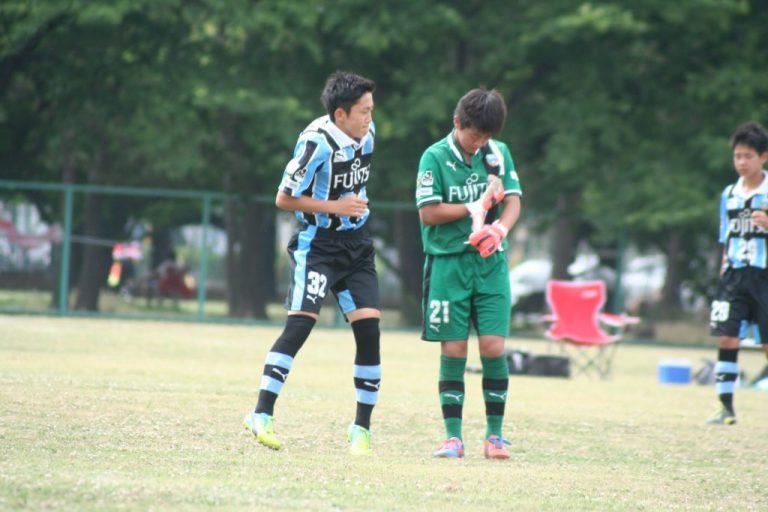 試合を前にしたGK川合我空選手と横山航大選手