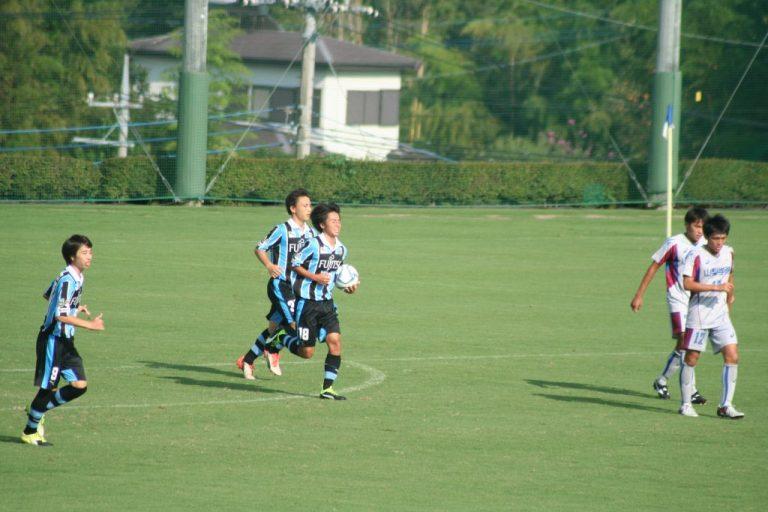 村田聖樹選手が決めて同点に。センターサークルへ。勝ち越しを狙う