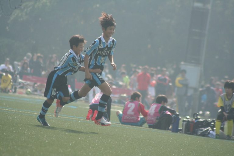 高井幸大選手が決めてフロンターレが先制する