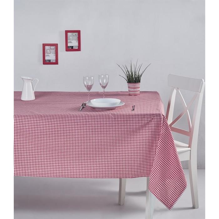 مفرش طاولة أحمر بمربعات صغيرة
