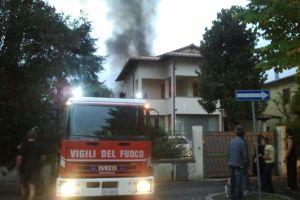 carabinieri, vigili del fuoco, ambulanze