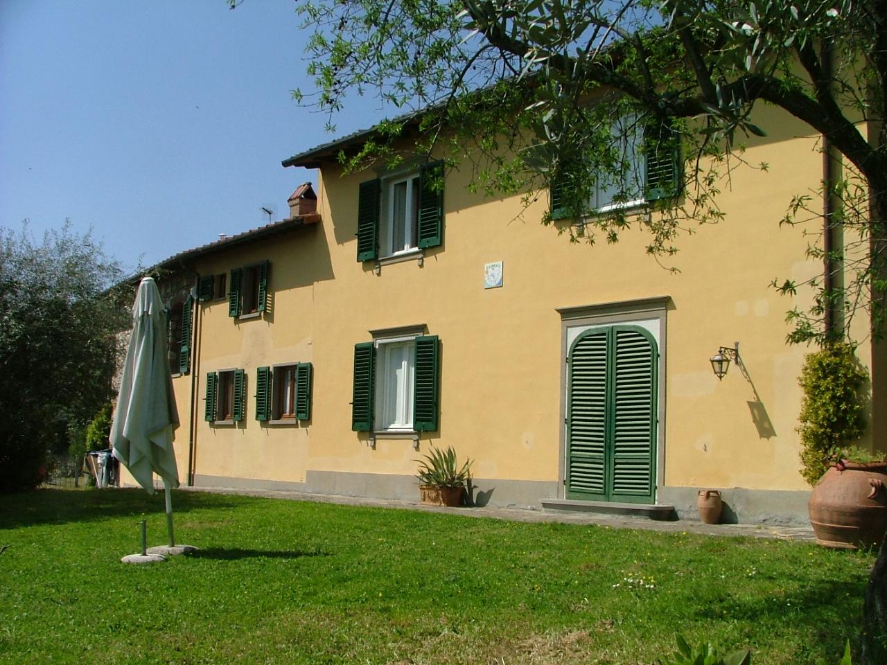Casa colonica in vendita a Poggio Bati: una splendida ...