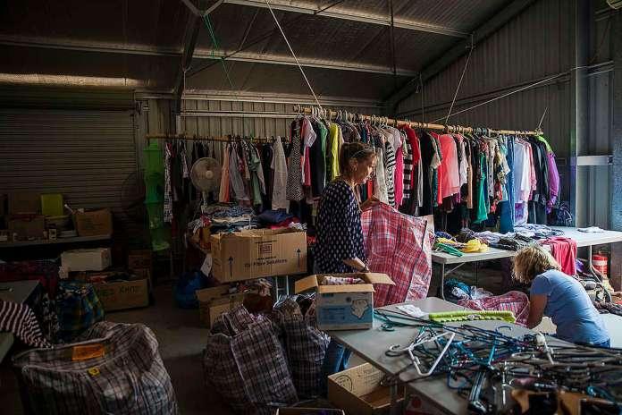 Hasičské a záchranné centrum v Nymboidě je komunitním střediskem pro ty, kdo požárům unikli. Mají zde k dispozici potraviny, přístřešek, oděvy a podporu. © Natasha Ferguson / Greenpeace