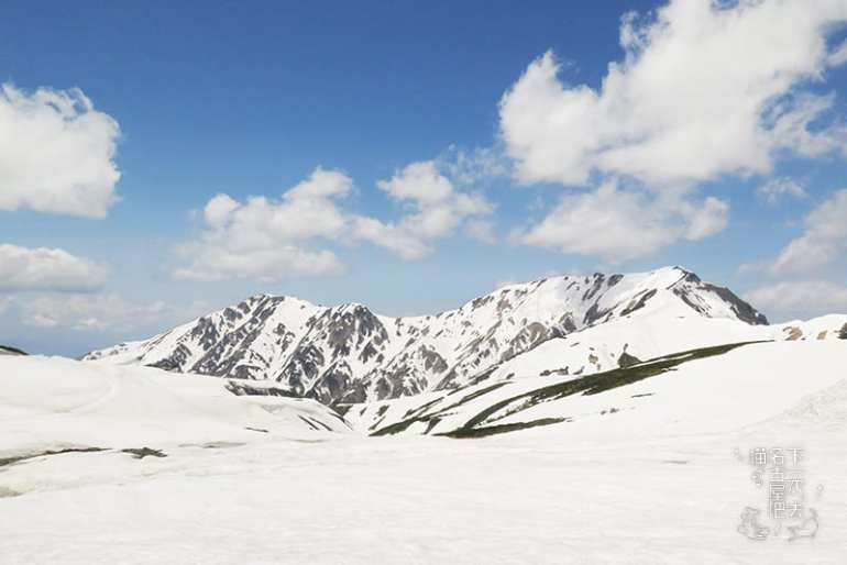 震撼身心!一生必訪 立山黑部 的山稜雪色美景