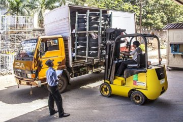 "featured image of the blog titled ""Where Can You Find the Best Fork Lift Truck Dealer Near You?"""