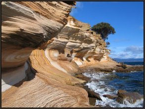 Maria Island Painted Ciffs in Triassic sandstone showing Leissegang Rings.