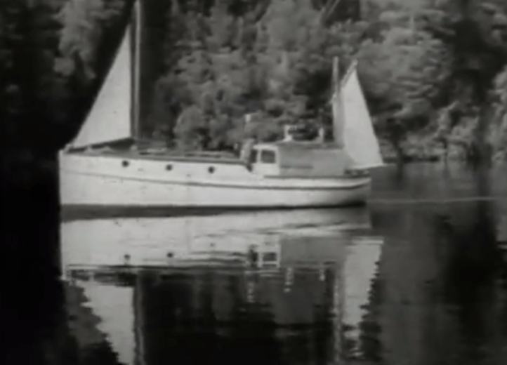 Screen Shot from The Isle of Many Waters by Frank Hurley--24.32