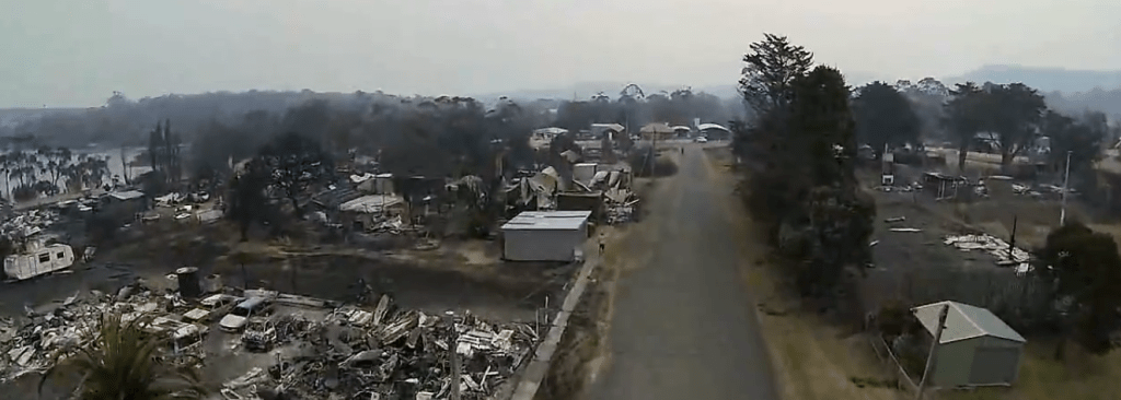 A Quadcopter View of the Jan-13 Tasmanian Fires-by Rian Taylor-18