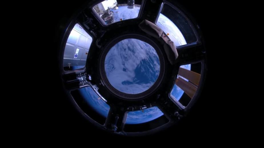 Orbit Timelapse - Intl Space Station - compiled by Selmes Films via NASA - 08
