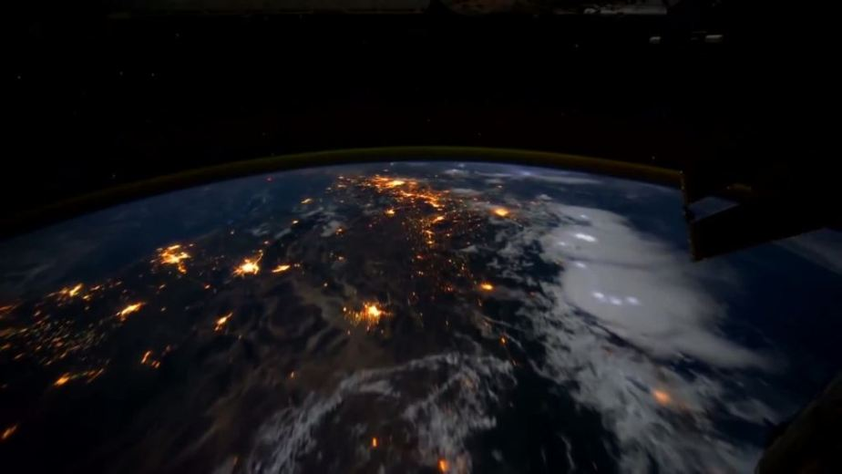 Orbit Timelapse - Intl Space Station - compiled by Selmes Films via NASA - 17