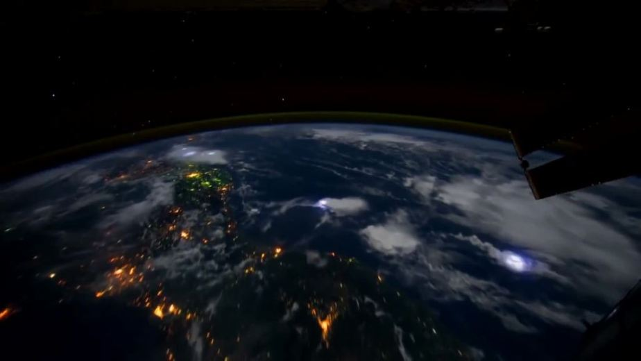 Orbit Timelapse - Intl Space Station - compiled by Selmes Films via NASA - 21