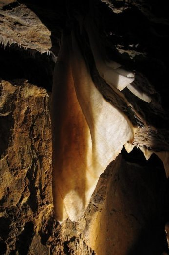 Cliefden Cave Formations - by Thomas Wilson
