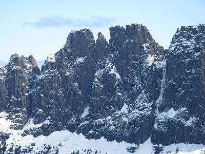 Ducane Traverse - by Cam Walker - East face of Mt Geryon