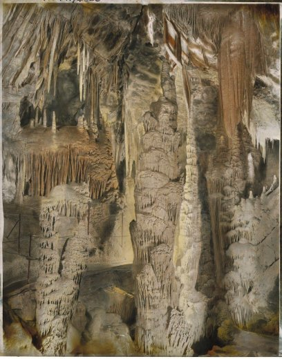 The dazzling beauty of the Persian Chamber, Orient Cave, Jenolan Caves, New South Wales, - by Frank Hurley c1910