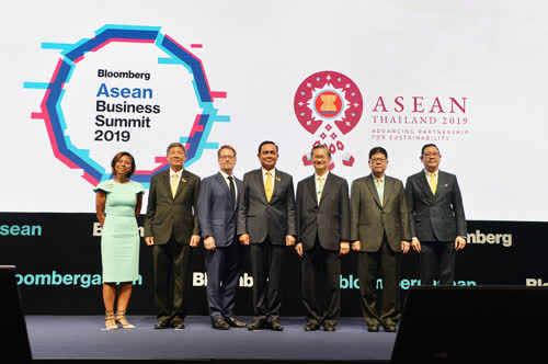 Thai Prime minister opens ASEAN Business Summit