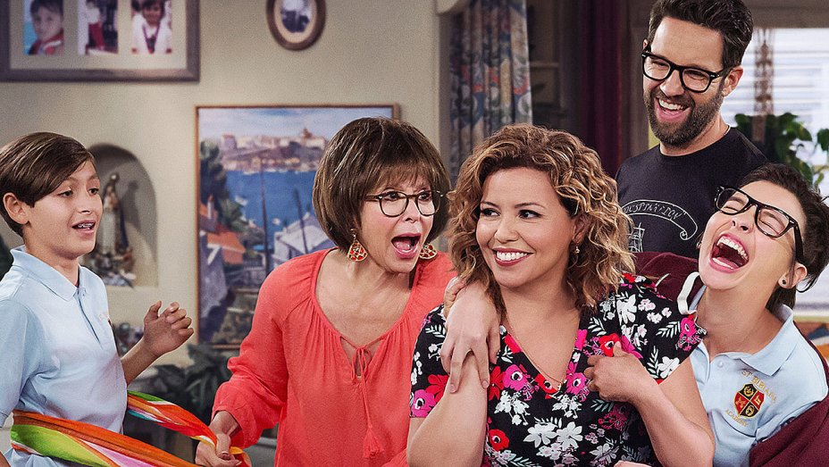 10 Episodes Of One Day At A Time Episodes To Rewatch Now That The Show Has Been Renewed 3