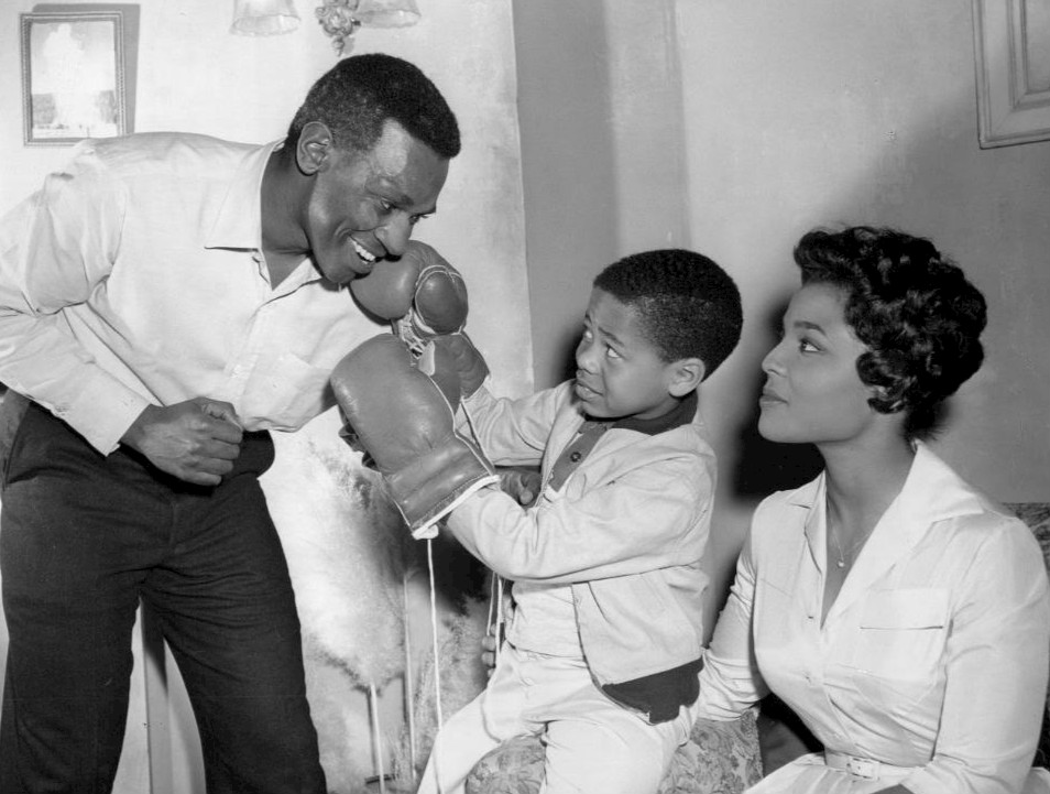 "Ivan Dixon and a young Stephen Perry pretend to box each other in the classic episode ""A Big Tall Wish."""