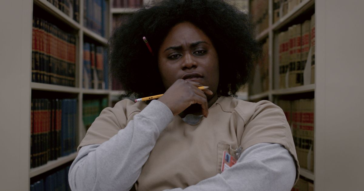 Taystee Jefferson in the Litchfield penitentiary library